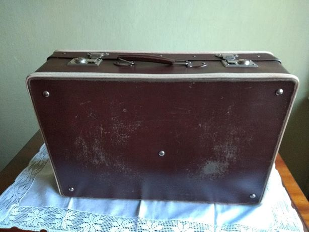Zabytkowa walizka  pojemnik na szafę pudło retro vintage PRL