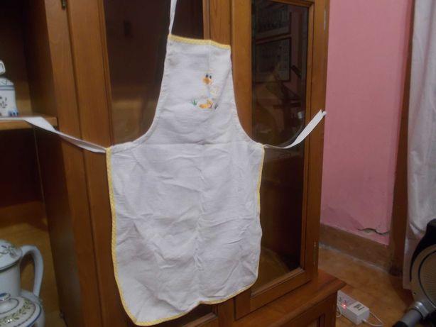 Avental e dois pegas de cozinha