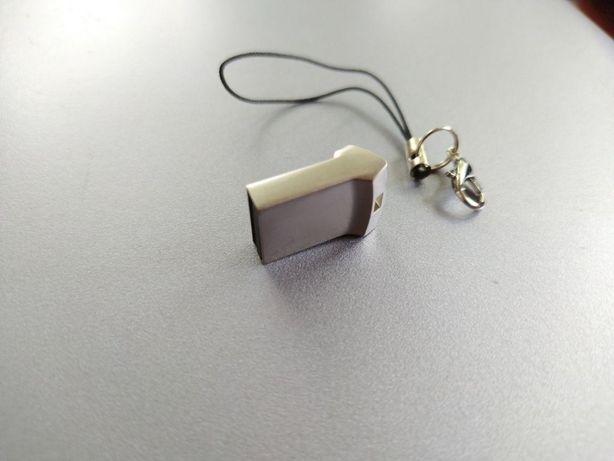 USB накопитель флешка 64ГБ (новая)