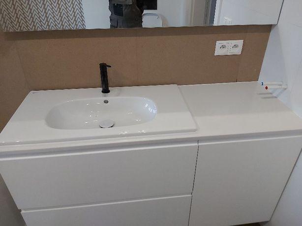 blat łazienkowy marmur konglomerat granit