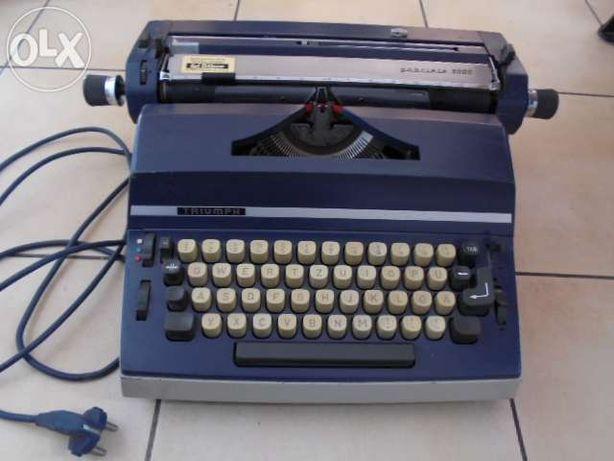 Triumph,Maszyna do pisania niemiecka trzcionka