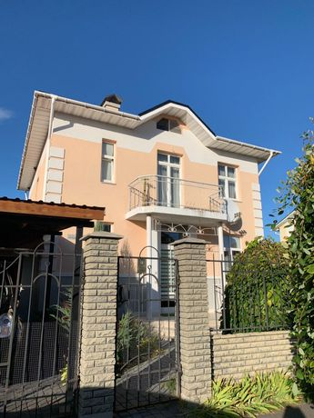 Современный дом с добротным ремонтом в КГ Новая Богдановка