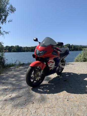 Vendo Honda cbr600