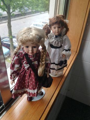 Vendo duas bonecas de porcelana