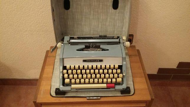 Немецкая печатная машинка антиквариат PRIVILEG