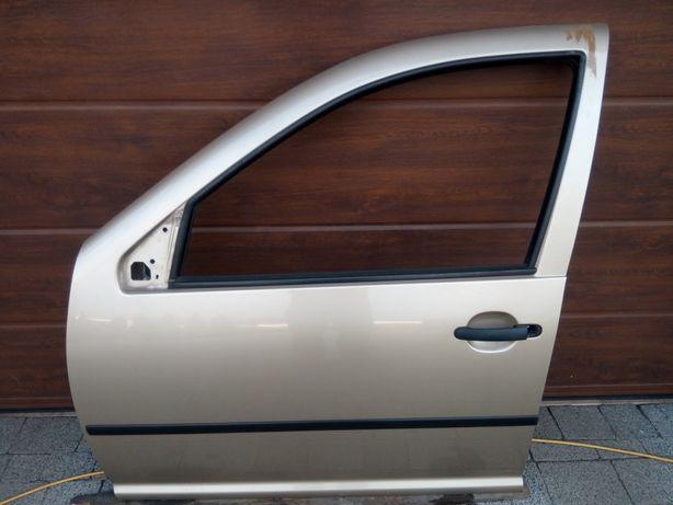 VW Golf IV Bora - Drzwi przód przednie lewe LA1W