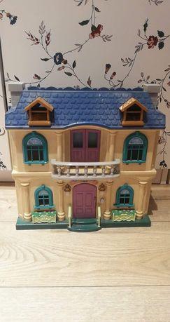 Piękny duży dom dla lalek