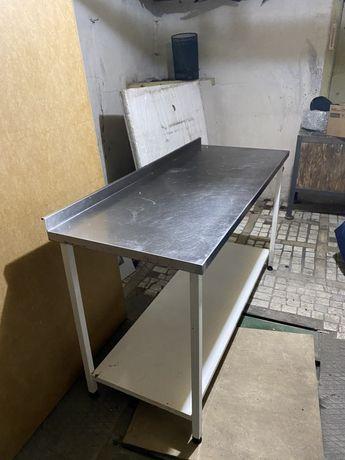 Стол для проф кухни с нержавки