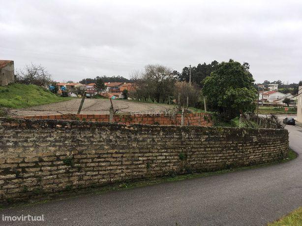 Terreno com viabilidade de construção com 2220 m2 em Esgueira  (Aveiro