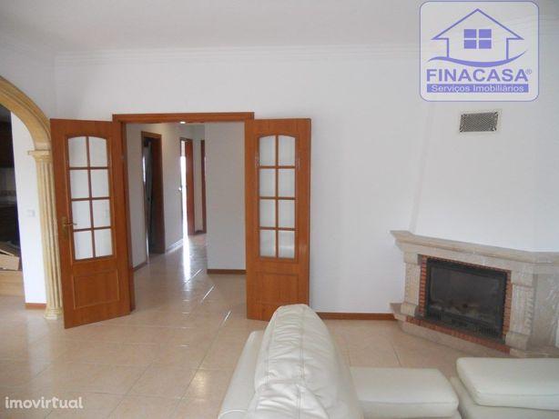 EXCLUSIVO!! Apartamento T2 impecável com 2 varandas e arr...
