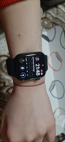 Часы  Apple Watch SE 44 mm Space Gray на гарантии