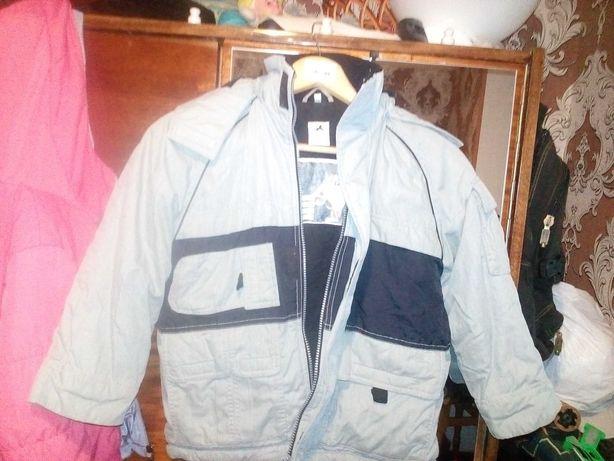 Чудова куртка для хлопчика 6—7 років