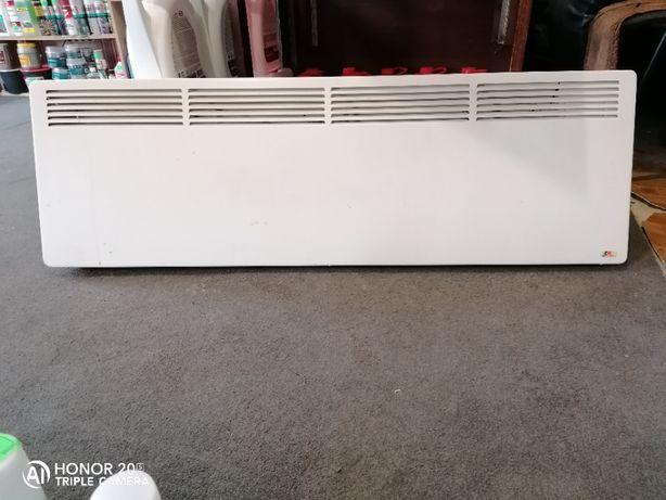 Продам электрический настенный конвектор 2200 W