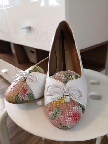 Baleriny slip on skóra naturalna buty półbuty 38,5