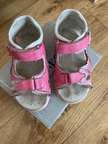 Sandały dla dziewczynki kornecki