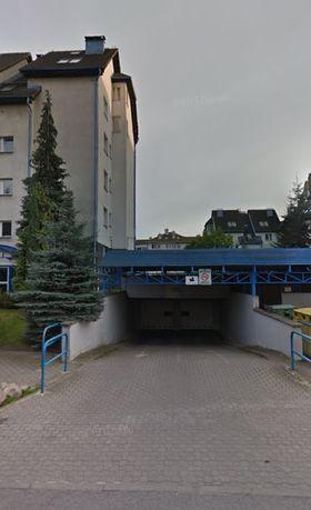 Wynajmę miejsce parkingowe w hali garażowej przy ul. Focha w Gdańsku