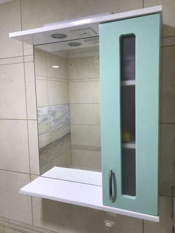 Зеркало и тумба в ванную комнату