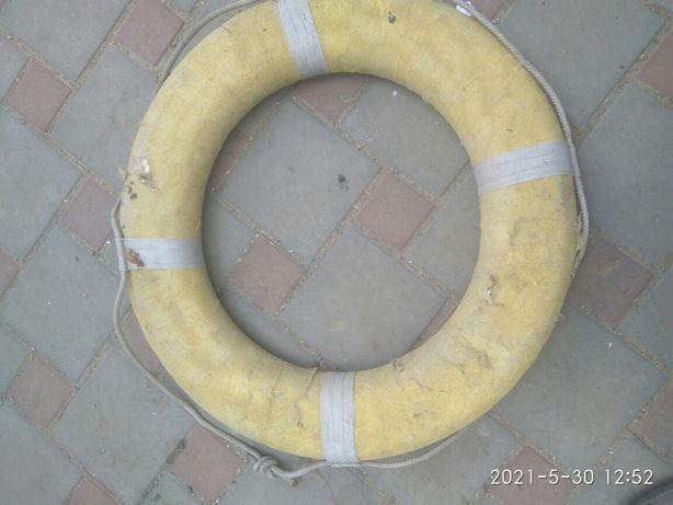 Продам круг спасательный