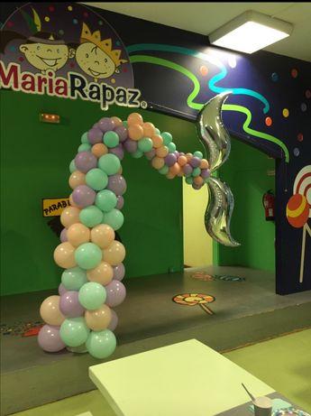 Arcos de balões e helio