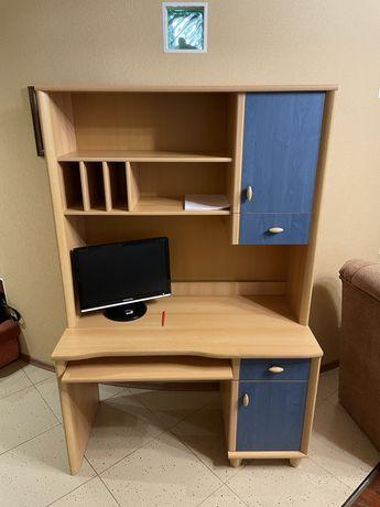 Письменный стол с надставкой