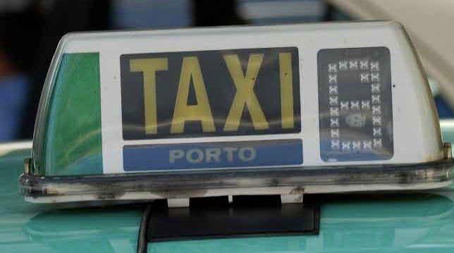Venda / Cedência  Licença De Taxi Porto