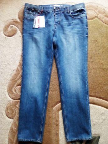 Чоловічі нові джинси