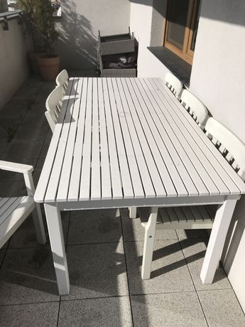 Stół ogrodowy z krzesłami biały