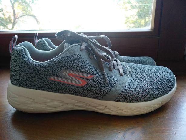 Спортивные супер удобные кроссовки #Skechers Gorun / Жіночі кросівки