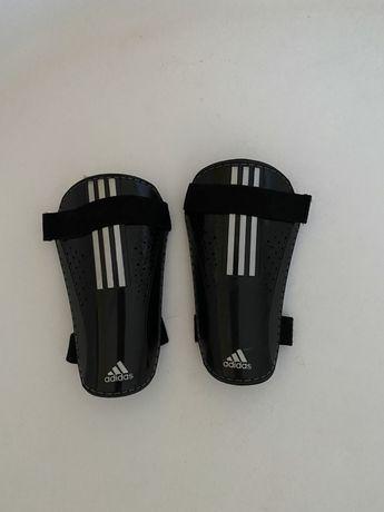 Ochraniacze piszczeli/goleni Adidas
