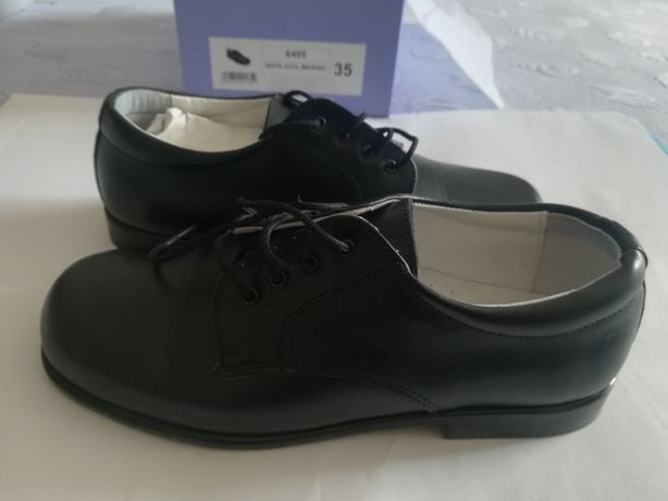 Sapato em PELE de criança tamanho 35
