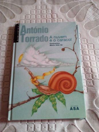 """Vendo o livro """"A Nuvem e o Caracol"""" de António Torrado"""