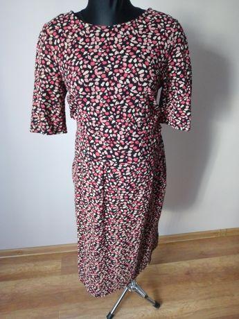 Sukienka w kwiaty ciążowa