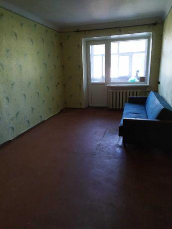 Продается 2-× комнатная квартира в центре  города.