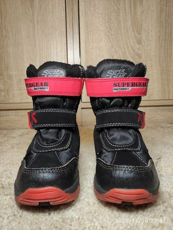 Детские зимние  ботинки в хорошем состоянии.