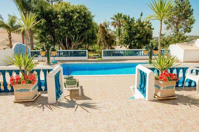 Casa Térrea T1 com piscina a 10 min da praia 7 a 14 agosto