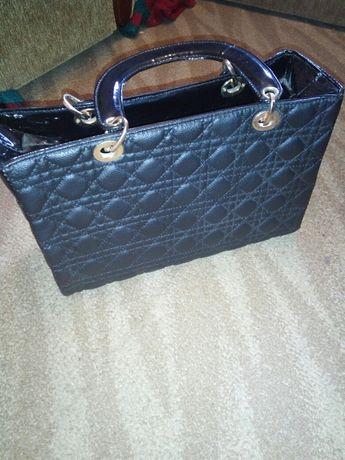 Продам сумку на одне відділення недорого стан нової