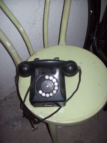 telefon bakielitowy ebonitowy czarny tarczowy lata 50 prl