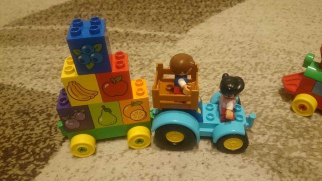 Pociąg i wóz z owocami lego