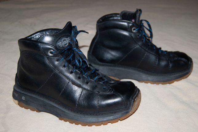 Крутые ботинки испанской фирмы