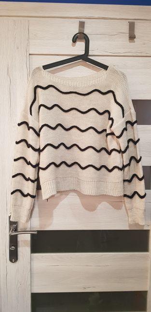Sweter damski beżowy w paseczki rozmiar uniwersalny stan idealny!