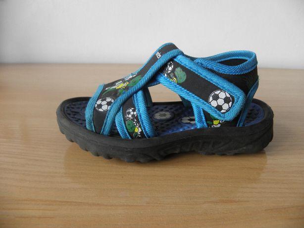 Sandałki Martes rozm. 24, dł. wkładki 15 cm, chłopiec