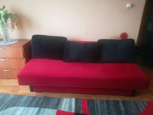 Czerwona sofa i 2 fotele