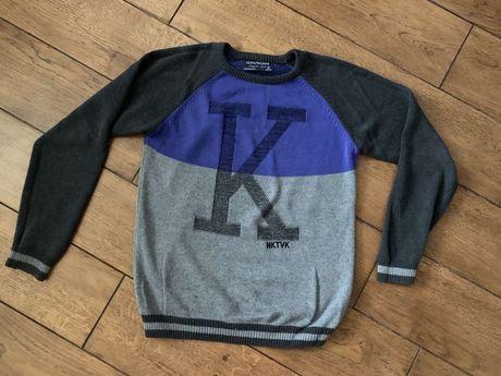 Продам реглан (свитер)