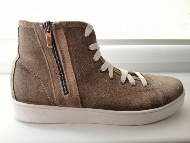 Якісне брендове CAFèNOIR чоловіче взуття на холодну осінь/теплу зиму.