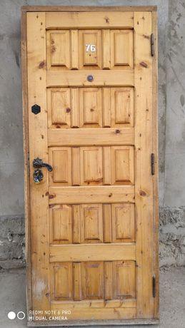 Двери деревянные 2000*800*40.