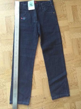 Фирменные джинсы.брюки для девочки, 7_8лет
