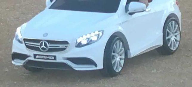 Carro eléctrico Mercedes-Benz