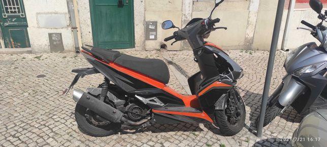 Scooter 125cc gasolina 450€