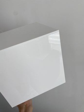 Kubik ekspozytor podest biały stół półka Pojemnik, kubik z plexi 20x20