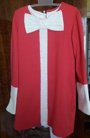 Нарядное трикотажное платье на девочку, рост 128 см